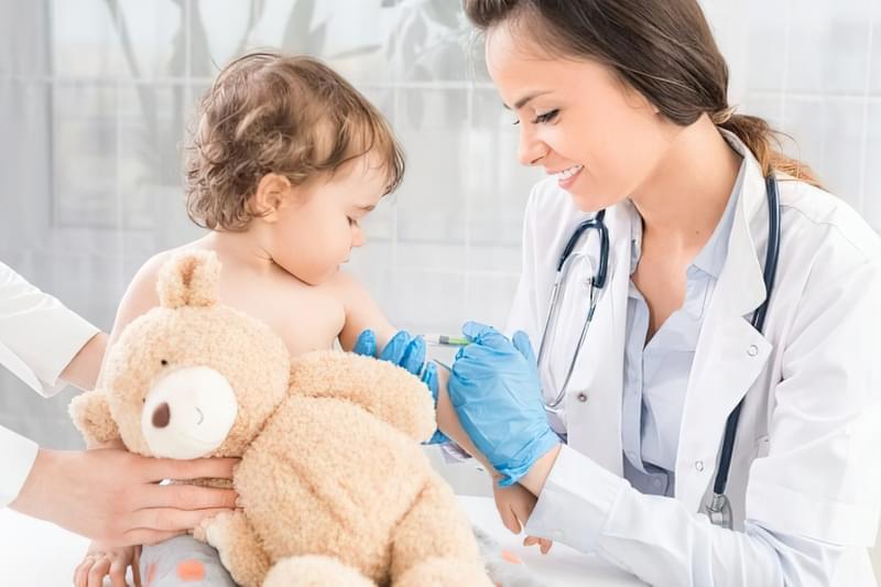 Щеплення не можна відкласти: чому вакцини потрібні дитині 1