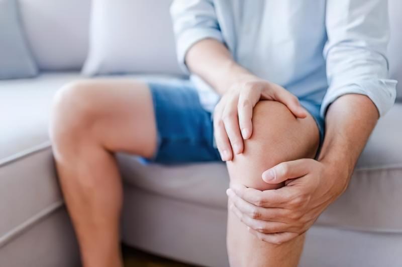 Чому болять коліна і як впоратися з цим болем? 1