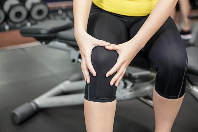 Болить коліно