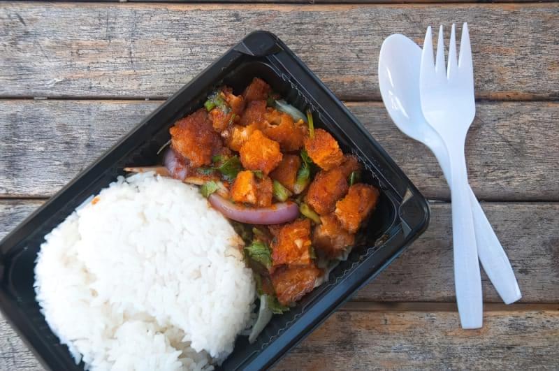 Пластиковий посуд: чи можна гріти в ньому їжу? 2