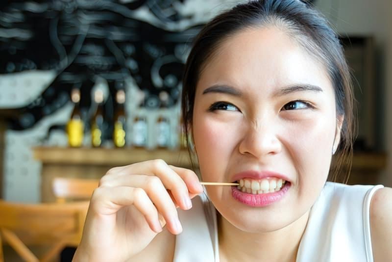 Зубочистки: 5 причин ніколи ними не користуватися 2