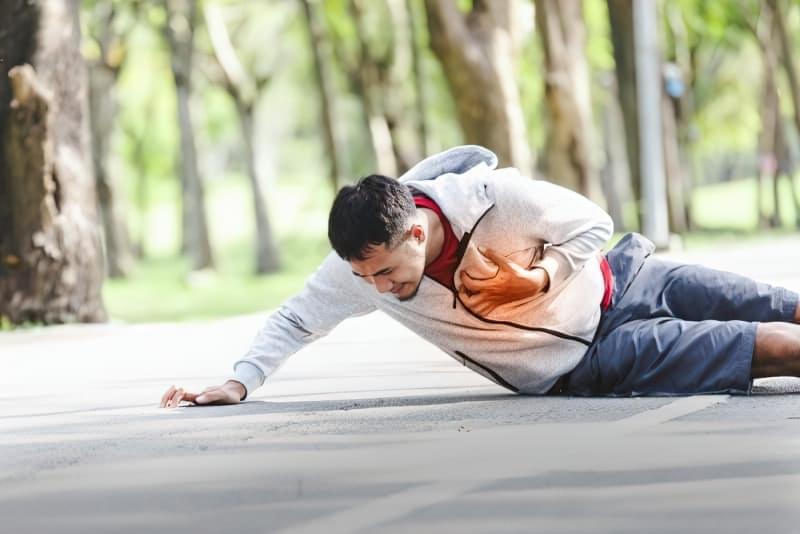 Серцевий напад: що робити до приїзду швидкої допомоги 2