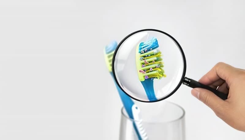 Що буде, якщо не міняти зубну щітку кожні 3 місяці? 1