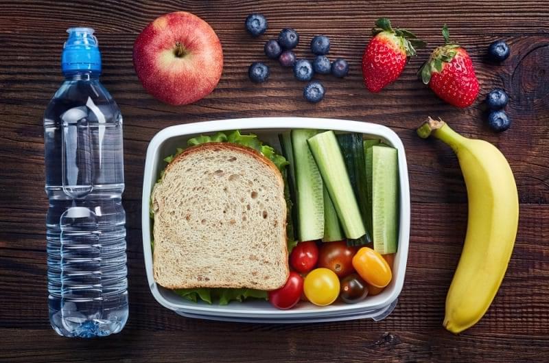Корисні і шкідливі перекуси: що дати дитині в школу? 2