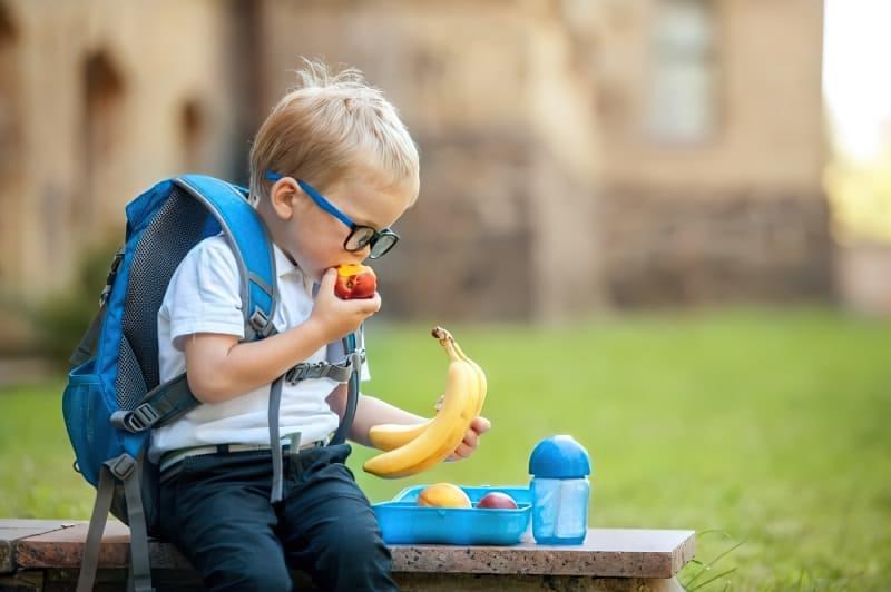 Корисні і шкідливі перекуси: що дати дитині в школу? 1